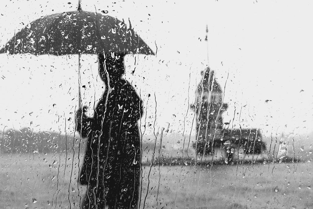 雨の夢に隠された意味とは
